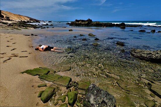 Pausa, descanso... a caminho de Pedra Furada através da orla.
