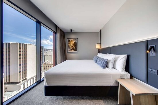 vibe hotel hobart two bedroom apartment king room