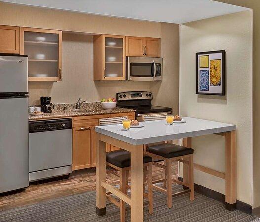Studio Suite - Kitchen