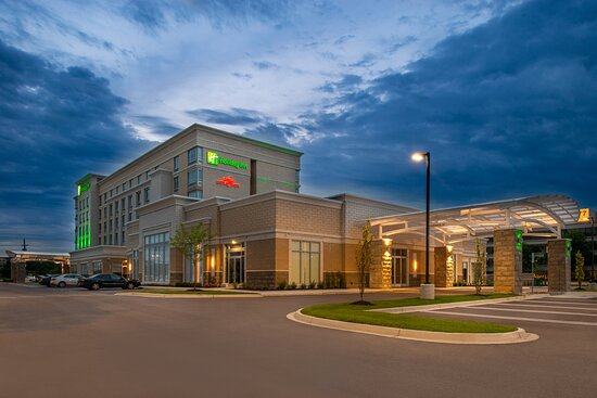 Welcome to the Holiday Inn Detroit Northwest Livonia.