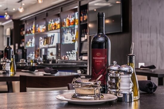 Stop in for drinks at our on-site Johnny's Italian Steakhouse.