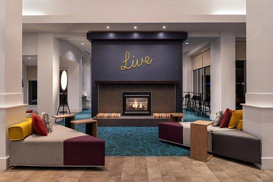 Lobby Lounge - Fireplace