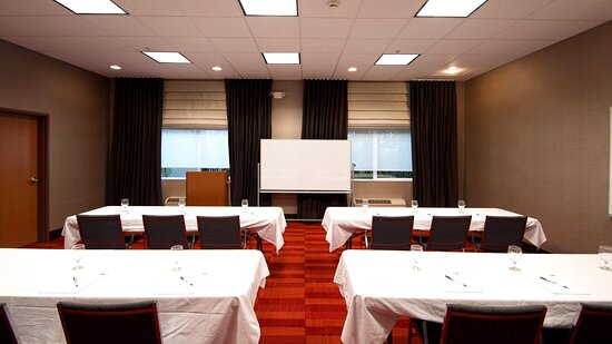 Aurora Meeting Room in Classroom Style Set-Up for 12 people