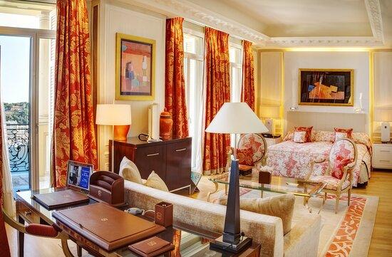 Presidential Diamond Suite