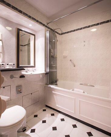 Thistle Barbican Bathroom