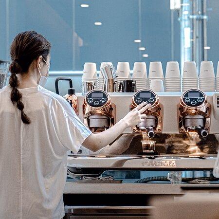 CHAMI barista and espresso machine