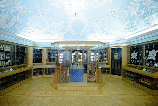 Инсталляция алтарной  части храма в пятом зале Музея\.