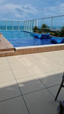 Piscina da cobetura do Seara Praia Hotel