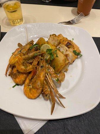 Ужин перед отъездом, все очень вкусно, вы останетесь довольны всем.