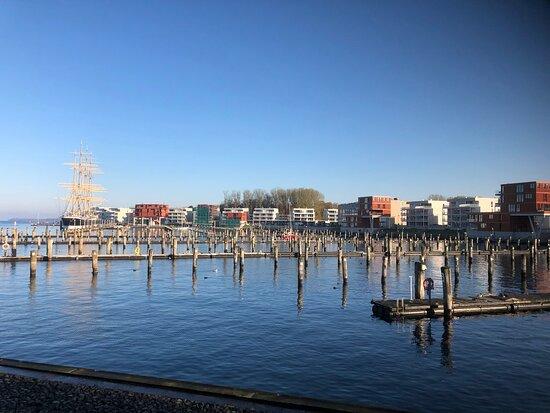 Prilwall und Yachthafen