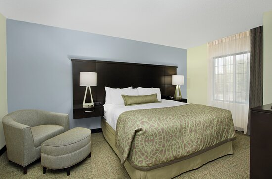 Spacious One-Bedroom Suite with a king size bed