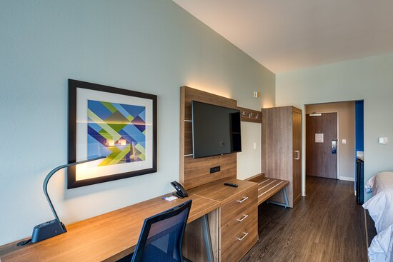 OUR 2 QUEEN BEDS  SUITE MOBILITY HEARING ACCESSIBLE ROOM