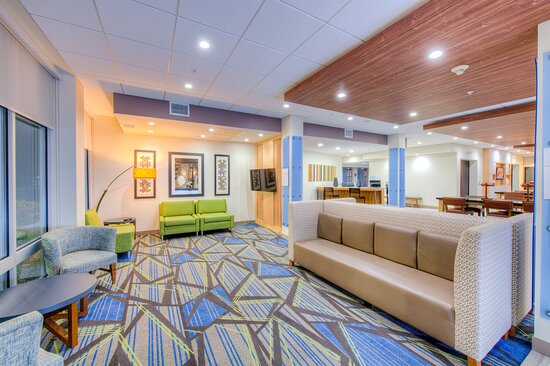 Remington, IN: Lobby Lounge