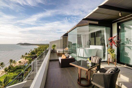 Club Panoramic Ocean View Suite