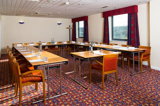 Our Meeting Room rates are inclusive of equipment hire