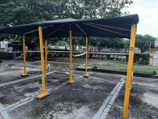 Girardot, Colombia: zona de consumo de bebidas y comestible