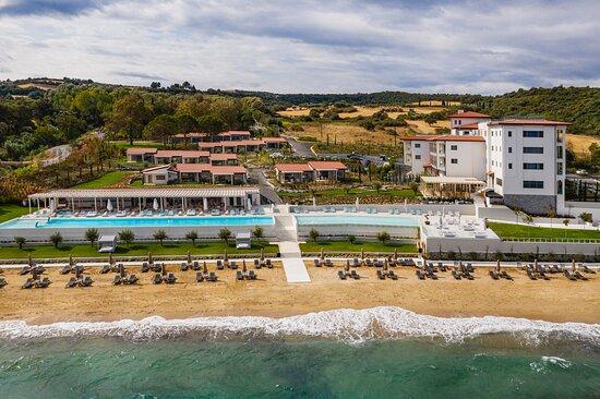 Mount Athos Resort, Hotels in Gomati