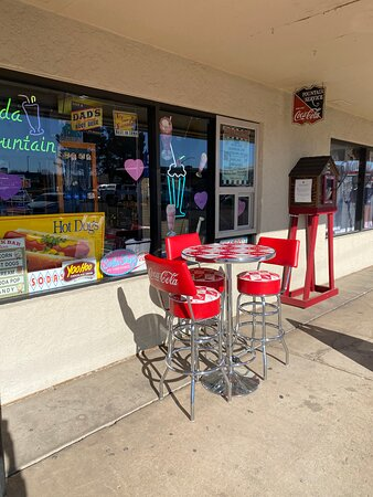 Kelly's Candy Shop on the outside of Lake Powell Vacations.