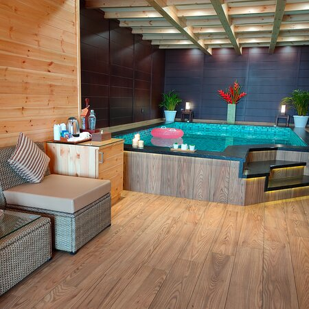 Wooden Lake view pool suite with jaccuzzi
