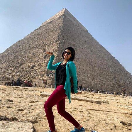 walk like an Egyptian at Giza pyramids