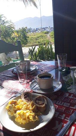 Café da manhã cheio de sabores e sensações