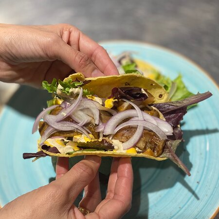 Desahógate y di Tacos 🌮 🌮  ¡¡Tacos Ribs!! Deléitate con nuestros jugosos tacos de costillas.