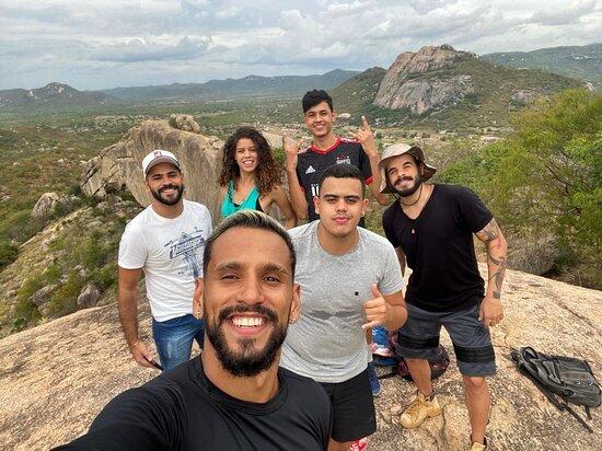 Venturosa, PE: (Guia) Sempre um privilégio levar grupos para conhecer a nossa encantadora Pedra Furada!   @Gleyson_Thiagobjj