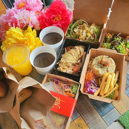 MCO2 Combo set A+B+C at only rm29.90 for take out