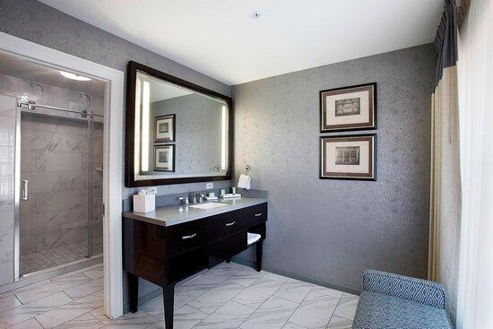 Hurley King Deluxe Guest Bathroom