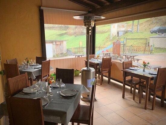 imagen Restaurante la Vieja Escuela en San Roque de Riomiera