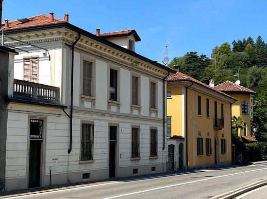 Casa De Ambroggi