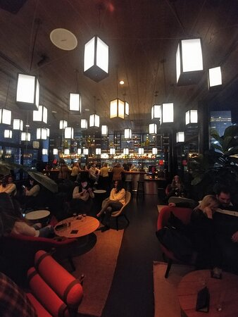Chilling out at the citizenM Times Square - NYC (13/Feb/20).