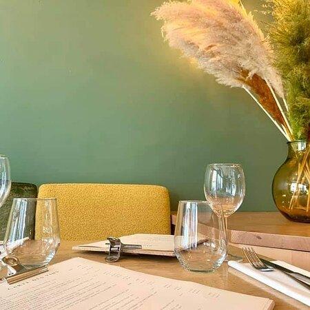 Plats savoureux, de saison et de qualité. Belle ambiance conviviale. Restaurant à recommander.