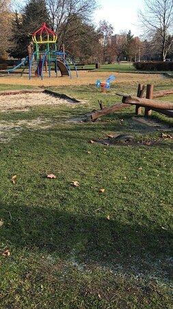 Verejné detské ihrisko pri Kotolni - Public playground near Kotolna