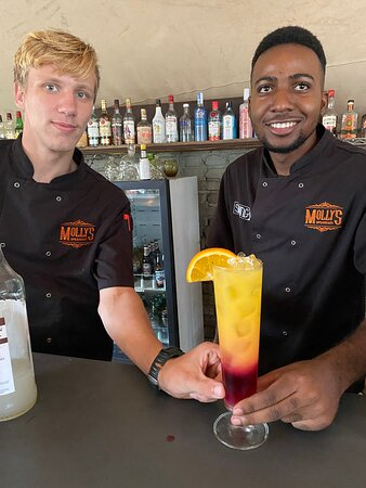 Darren & Norman - there to ensure ice cold drinks and innovative cocktails