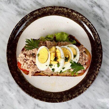 GOOSEBERRY LUNCH: TUNA SANDWICH