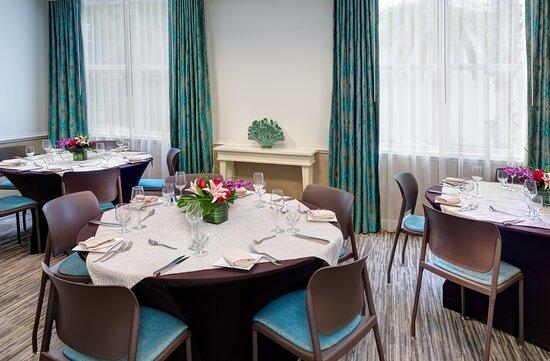 Hotel Indigo Sarasota Gulf Room hosts up to 50 people