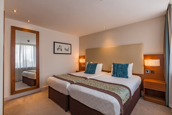 Thistle Trafalgar Square Bedroom 14