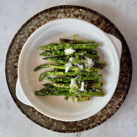 GOOSEBERRY DINNER: CHARRED GREEN ASPARAGUS