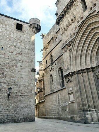 Cathedral of Barcelona, San Iu entrance door