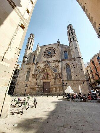 Barcelona, Spain: Santa Maria del mar , bike tour of the old city