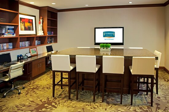 Our 24-hour Business Center feature two PC's and a printer