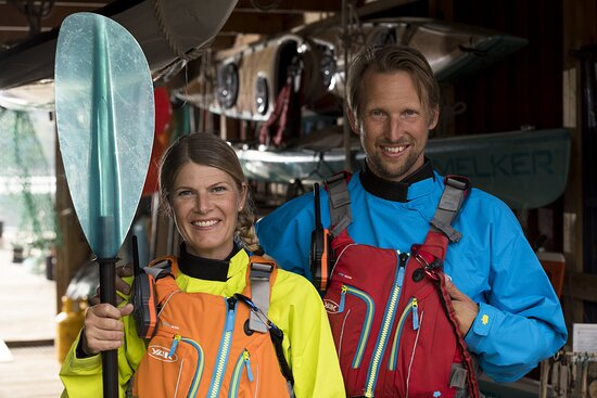 This is Ingela & Marcus Holgersson, the couple who runs Skärgårdsidyllen Kayak & Outdoor. A hidden gem in the outskirts of West Sweden.