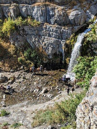 Stunning fall hike to Steward Falls!