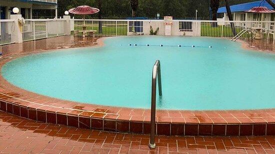 m pool