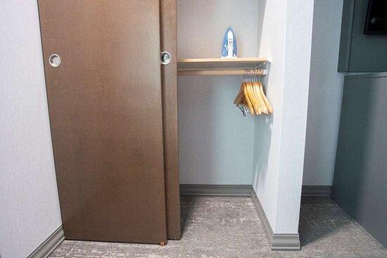 access closet detail