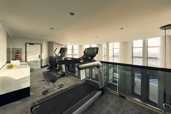 Suite Presidential City Skyline View Fitness Center