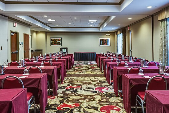 Hold your next conference inour spacious Pelican Room