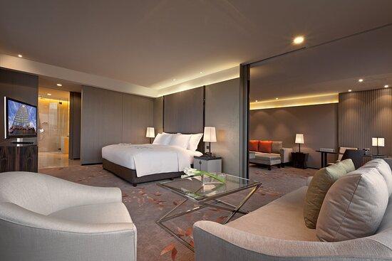 Prestige Suite_Bedroom_1