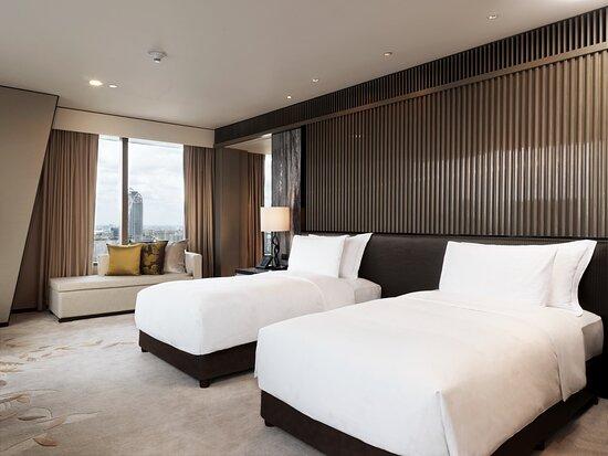 Royal Suite_Bedroom_1